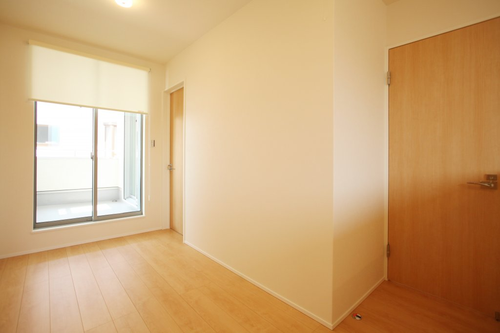 室内干しができるように、2階のホールを広く設けました。